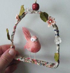 ornamento pequeno pássaro por ceceliahayes no Etsy