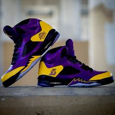 Los Angeles Lakers Purple and Gold High Tops Kobe Bryant Basketball Shoes, Kobe Bryant Shoes, Lakers Kobe Bryant, Kobe Shoes, Kobe Bryant 8, Nike Basketball, Tenis Lebron James, Nike Lebron, James Harden Shoes
