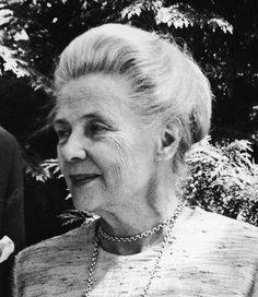 Alva Myrdal. 1982 Nobel Peace Prize winner, which she won jointly with Alfonso Garcia Robles; a writer and diplomat, Myrdal worked for many years to promote disarmament and world peace. Sweden. Ellie Wiesel, People Around The World, Around The Worlds, Nobel Prize Winners, Nobel Peace Prize, Trail Blazers, World Peace, Badass Women, Great Women