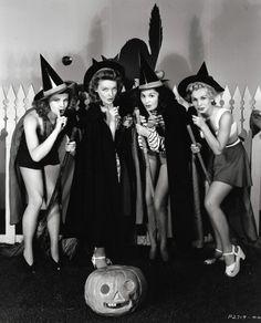 WITCHES : Barbara Britton, Katharine Booth, Ella Neal and Eva Gabor c. 1941