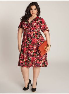 Just the most luscious floral print to this empire waist fashion stunner dress from Igigi! This dress works day and night for your lifestyle!