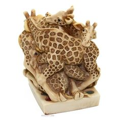 Harmony Kingdom Do The Twist Giraffe Treasure Jest Box Figurine
