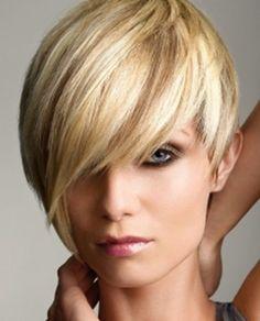 Comment paraître plus jeune avec une coupe de cheveux et les soins adéquats