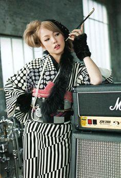 SCANDAL JAPAN BAND WALLPAPER - Mami