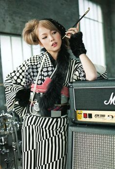 SCANDAL JAPAN BAND WALLPAPER - Mami