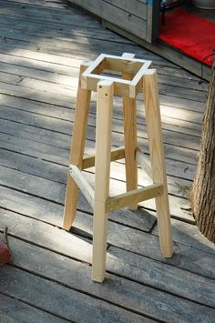 Similar picture - Diy Möbel Small Wood Projects, Diy Furniture Projects, Woodworking Projects Diy, Woodworking Furniture, Pallet Furniture, Woodworking Workbench, Workbench Plans, Woodworking Kids, Woodworking Joints