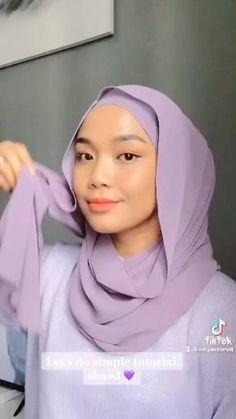 Modern Hijab Fashion, Street Hijab Fashion, Muslim Fashion, Look Fashion, Hijab Turban Style, Mode Turban, Hijab Outfit, Simple Hijab Tutorial, Hijab Style Tutorial