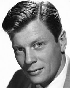 "Peter Graves ~ ""Fury"" & ""Mission Impossible"", Brother to James Arness of Gunsmoke Hollywood Star Walk, Hollywood Actor, Vintage Hollywood, Classic Hollywood, Hollywood Cinema, Hollywood Icons, Mission Impossible, Famous Men, Famous Faces"