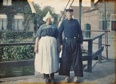 In the late summer of 1929, on one of the last Archives of the Planet missions, Passet photographed a Dutch fisherman and his wife in Volendam, Netherlands.