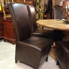 6 Leather Zipper Back Dinning Chairs.
