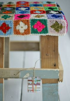 Customed recycled wood stool with crocheted cover. I want some!!