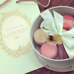 laduree images, image search, & inspiration to browse every day. Laduree Macaroons, French Macaroons, Macaron Boxes, Chocolate Packaging, Pretty Pastel, Girly Things, Tea Party, Bakery, Sweet Treats