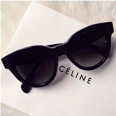 Céline | Minimal + Chic | @CO DE + / F_ORM