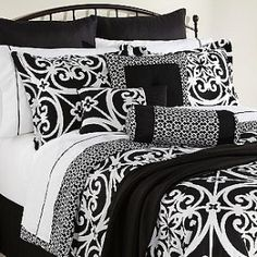 doing my master in black and white bedding :)