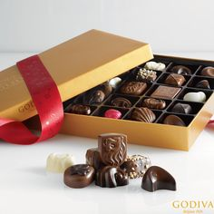 Go for the Gold #GODIVA