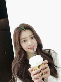 Kpop Girl Groups, Korean Girl Groups, Kpop Girls, Japanese Girl Group, Kim Min, The Wiz, Girl Crushes, Pretty, Beauty