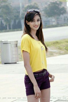 Beautiful Girl Photo, Cute Girl Photo, Beautiful Girl Indian, Girl Photo Poses, Girl Photography Poses, Girl Poses, Beautiful Indian Actress, Beautiful Actresses, Stylish Girl Images