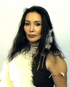 Beautiful Tribal Native American Women | Native American woman Junal Gerlach in her power
