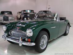 British Sports Cars, Vintage Sports Cars, Vintage Cars, Antique Cars, Convertible, Austin Healey, Dream Garage, Sport Cars, Minion