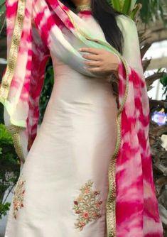Best Indian salware suits Click VISIT link above for more info Punjabi Salwar Suits, Punjabi Dress, Patiala, Salwar Kameez, Indian Suits Punjabi, Punjabi Fashion, Ethnic Fashion, Indian Fashion, Embroidery Suits Punjabi
