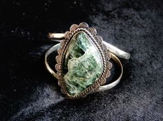 Native american mexican jewellery - Made it from Kokopelli Guadarrama :-) Mexican Jewelry, Native American, Gemstone Rings, Jewelry Making, Gemstones, Jewellery, How To Make, Nice Asses, Jewels