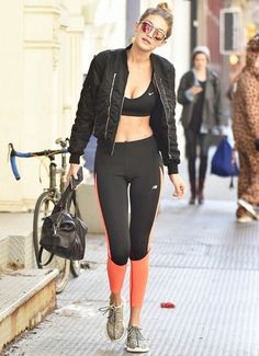 gigi hadid look malhação street style top calça legging
