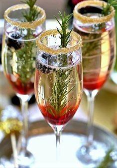 Heerlijk winters drankje met prosecco en tijm #winterwedding #prosecco #DeLandgoederij