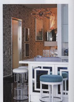 New York Cottages & Gardens   Page 94-95, Lee Jofa   Wallpaper: Malabar in White/B - 66/1004