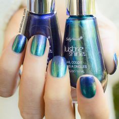 35 Best Nail Art - This is the first ombre-nail look that I've seen that I might actually be able to do without it looking like crap! Get Nails, How To Do Nails, Hair And Nails, Blue Ombre Nails, Gradient Nails, Nail Polish Designs, Cool Nail Designs, Art Designs, Nailart