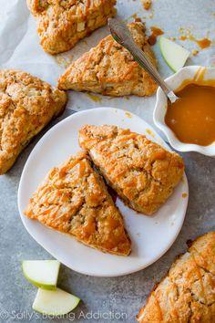 23 Scones That Are Here To Shake Up Tea Time Recipe: Caramel Apple Cinnamon Scones Fall Breakfast, Breakfast Recipes, Dessert Recipes, Scone Recipes, Breakfast Pastries, Party Recipes, Apple Recipes, Drink Recipes, Apple Scones