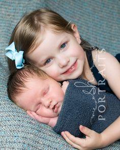 sibling + newborn idea 2   http://www.shportraits.com/