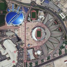 Civilização em perspectiva: O mundo visto de cima,Doha, Qatar. Image Courtesy of Daily Overview. © Satellite images 2016, DigitalGlobe, Inc
