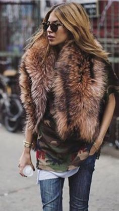 Celebs with best street style and how to get their look Fur Fashion, Love Fashion, Fashion Looks, Fashion Outfits, Womens Fashion, Fashion Trends, Street Fashion, Fall Winter Outfits, Autumn Winter Fashion