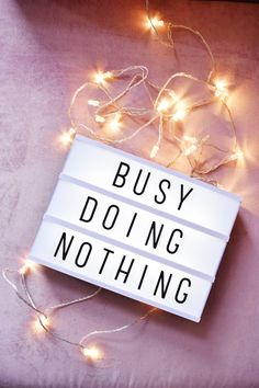 Cinema Light box - Busy Doing Nothing Tumblr Backgrounds, Tumblr Wallpaper, Iphone Wallpaper, Citations Lightbox, Lightbox Quotes, Led Light Box, Light Board, Boxing Quotes, Luz Led