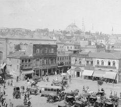Eminönü'nde atlı tramvay ve fayton durağı (1900'ler) #istanbul #istanlook #birzamanlar #oldpics #life #hayat