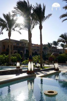 """Makadi Spa - Erwachsenenhotel RED SEA HOTEL - Urlaub in Ägypten - Urlaub in Hurghada - Urlaub in der Makadi Bay - Luxus Urlaub - Entspannungsurlaub  Entspannte Atmosphäre. Oase für Ruhesuchende. Infinity Pool mit tollem Blick über das Rote Meer. Vorgelagertes Korallenriff zum Schnorcheln.  Das """"Makadi Spa"""" liegt direkt am weitläufige Privatstrand.  #luxus #hotel #redsea #egypt #urlaub #tipp #hotels #entspannung #relax #oase #meerblick #infinity #places"""