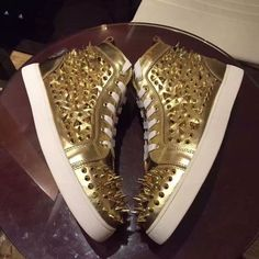 104.13$  Buy here - http://ali9fr.worldwells.pw/go.php?t=32751505508 - red bottom shoes for men real leather high top sneakers mens shoes large sizes luxury gold pointed rivets stud mens casual shoe
