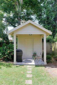 Ardsley Park Bungalow Back Yard in Savannah, Georgia - Judge Realty - $285,000