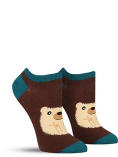Who's that hiding in your shoe? Why, it's a handsome hedgehog all bundled up into a ball of perfect cuteness! These fun short socks likely won't stay hidden in your shoes for long; they're so cute tha