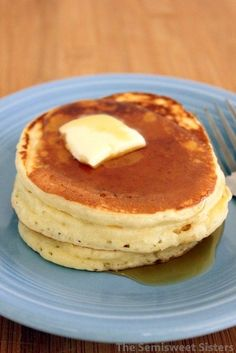 Dairy Free Pancakes Fluffy Dairy Free Pancakes replaced egg with a flax seed egg!Fluffy Dairy Free Pancakes replaced egg with a flax seed egg! Pancakes No Milk, Dairy Free Pancakes, Pancakes Easy, Fluffy Pancakes, Waffles, Sin Gluten, Paleo Dairy, Best Pancake Recipe, Recipes