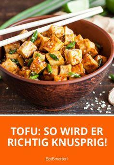 So wird Tofu richtig knusprig! Tofu: That's how it gets really crispy! Chicken Salad Recipes, Salmon Recipes, Diet Recipes, Vegetarian Recipes, Healthy Recipes, Vegetable Soup Healthy, Healthy Soup, Healthy Salads, Marinade Tofu