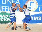 Beach Soccer - FINALI: Simone Olleia abbraccia Corosiniti (Terracina)
