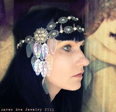 Shimmerling Art Deco Filigree Headdress with by ravenevejewelry on Etsy; has rare art deco era star stampings on each side with vintage sequins. ab crystal rhinestones and faux pearl stone accents. Headdress, Headpiece, Belly Dancing Classes, Head Jewelry, Circlet, Tribal Fusion, Shabby Chic Style, Headgear, Art Deco Fashion