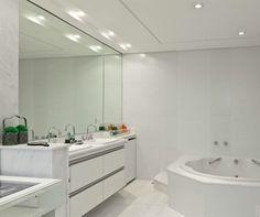 Imagem de http://casadogessorp.com.br/site/wp-content/uploads/2013/11/08_ccpr_610_banheiro.jpg.