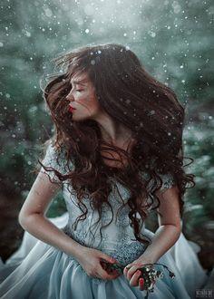 A fotografia fashion com belas modelos de Svetlana Belyaeva Fantasy Photography, Girl Photography, Creative Photography, Fashion Photography, Foto Fantasy, Photographie Portrait Inspiration, Montage Photo, Princess Aesthetic, Belle Photo