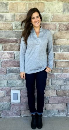 #cabi –Our Placket Tee is an everyday staple Andrea of @mommainflipflops wears effortlessly.