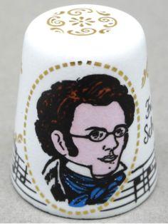 Franz Schubert. Der Lindenbaum. Enameled copper. Steinböck. Austrian. Thimble-Dedal-Fingerhut. Finger, National Symbols, Art Yarn, Yarn Bombing, Composers, Pincushions, Needle And Thread, Austria, Vintage Antiques
