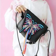 Bolso - Butterfly Embroidered Shoulder Bag
