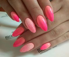 KATALOG Paznokciowych Trendów – 25 Super Modnych Inspiracji na Manicure Get Nails, Pink Nails, Glitter Nails, Perfect Nails, Gorgeous Nails, Pretty Nails, Uñas Art Deco, Dipped Nails, Oval Nails