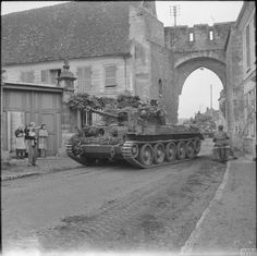Cromwell tank of Welsh Guards, Guards Armoured Division, in Trie-Chateau, near Gisors, 31 August Cromwell Tank, Thunder Strike, Military Pictures, British Army, Sounds Like, Military History, World War Two, North West, Military Vehicles